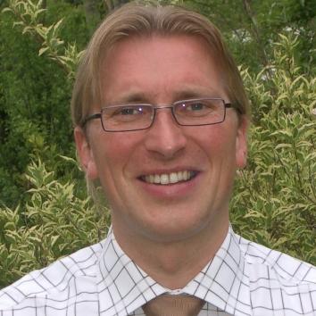 Dr. Jörg Bauer