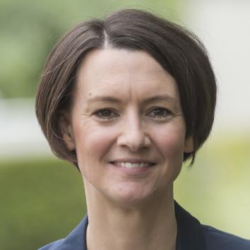 Dr. Claudia Bogedan