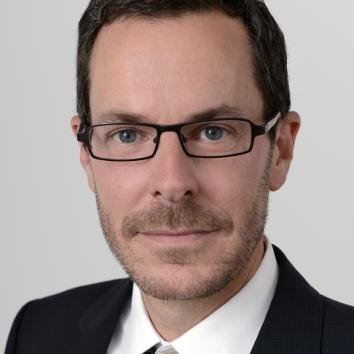 Dr. Wolf von Bernuth