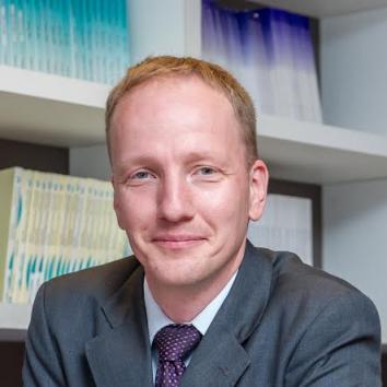 Dr. Guntram Wolff