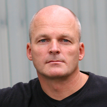 Prof. Lutz Fügener