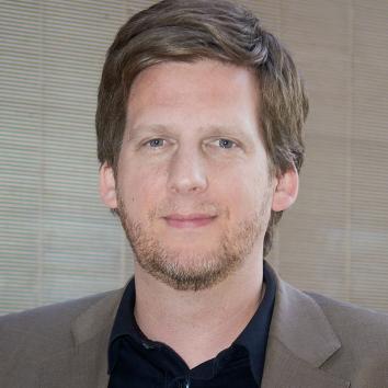 Prof. Julian Petrin