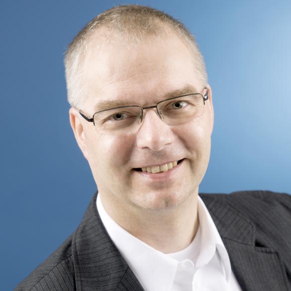 Dr. Wieland Holfelder