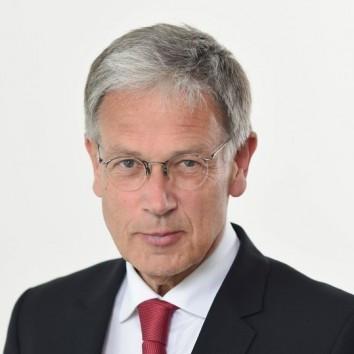 Dr. Michael Voges