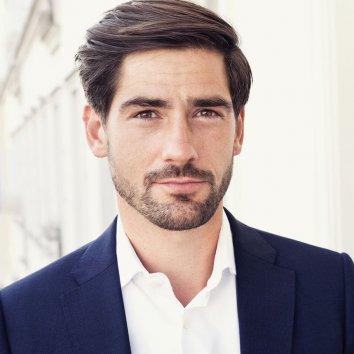 Dr. Max Neufeind