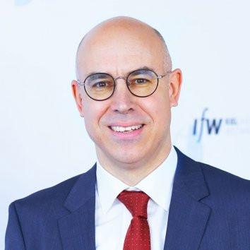 Prof. Gabriel Felbermayr Ph.D.