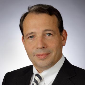 Dr. Bernhard Schultz