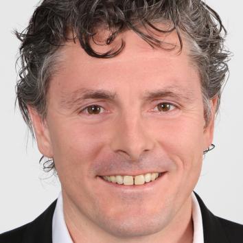 Dr. Martin Sundermann