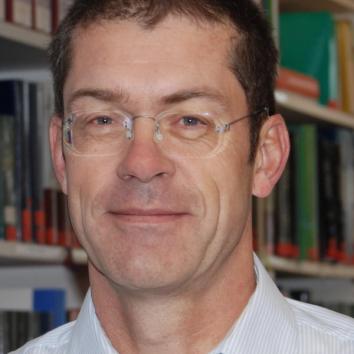 Dr. Jan Mueller-Berghaus