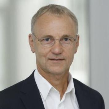 Dr. Michael Denkel