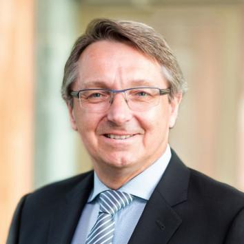 Prof. Dr. Erwin Boettinger