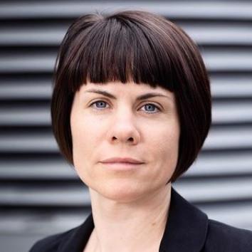 Dr. Tina Kluewer