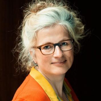 Claudia Loewe