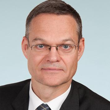 Dr. Andreas Knaul