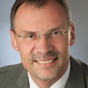 Dr. Rainer Preuss