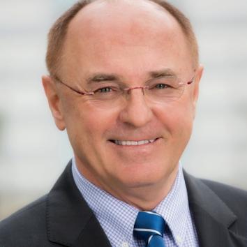 Dr. Erich Erber
