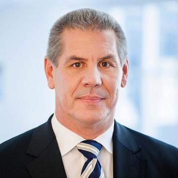 Dr. Matthias Axel Schweitzer