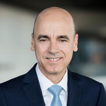 Dr. Nicolas Peter