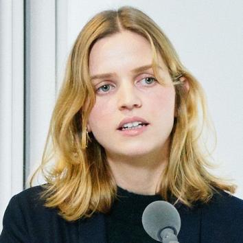 Dr. Clara Meier