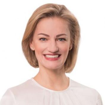 Dr. Sabine Stetter